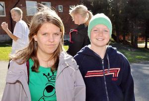 Cheyenne Olofsson och Cornelia Engström går 3-6an som nu fått nya elever från Mattmars skola.