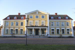 Internatkostnaderna för att bo på Tärna Folkhögskola föreslås höjas från och med den 1 september i år.