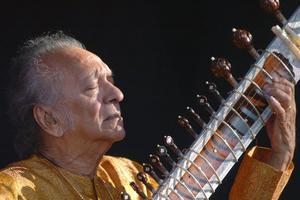 Ravi Shankar gjorde den indiska sitarmusiken erkänd och världsberömd.
