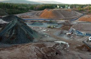 Bergtäkten i Gustafs ska läggas ned och Skanska behöver en ny plats för att kunna bryta det naturgrus man behöver.  Puttberget har visat sig vara en lämplig plats.