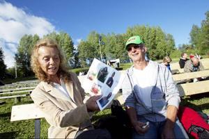 Marianne Söderlund, 62 år och Ove Söderlund, 64 år, båda från Värmdö.– Vår son är med för andra gången. Men det är första gången vi är här, säger Ove Söderlund.– Förra året var han statist. I år spelar han Sigvald Grimsson. Hans mormor var likadan, hon gillade också teater. Vi har stora förväntningar, det här blir bra! säger Marianne Söderlund.