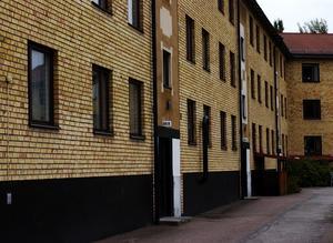 Mordplatsen. Det var här på andra våningen som 30-åriga Pernilla Theorin hittades mördad i sin lägenhet på Axel Johnsons väg 96 B vid 06.30-tiden på söndagsmorgonen den 13 augusti 2007. Foto:Börje Gustafson