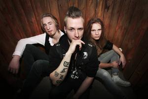 Velvet in sane består av Jonas Eriksson, Jesper Sandström samt Jesper Lindgren längst till höger.