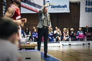 Jämtlandscoachen Torbjörn Gehrke tror på sitt lag på lång sikt, men önskar också snar framgång: