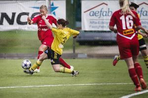 Sally Eliasson gjorde Edsbyns första mål för säsongen. Senast laget gjorde mål i seriesammanhang var 11 augusti 2012.