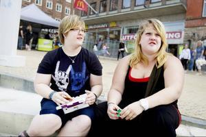 Tvillingarna Marie och Sanna Malmsten, 20 år, Östersund