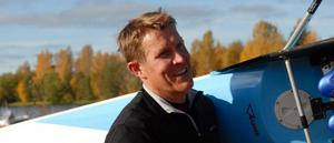 Nästa år avgörs OS. Redan i år handlar det om OS för Brudpigaroddaren Lassi Karonen. Det är på VM som han ska kvala in till London.