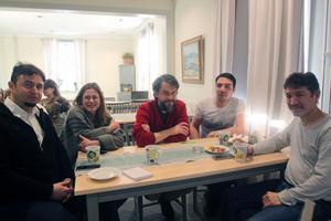 Mohammed Faraj, Ingrid del Castillo (informatör i pastoratet), Per Rönnegård (ny präst i Siljansnäs), Hashem Kazemi och Dawod Mirzarie.