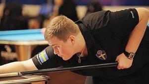 21-årige Christian Sparrenlöv Fischer är med i det svenska biljardlandslaget och representerar Norrtelje BK. Tidigare i år har han bland annat spelat World Cup of Pool  i London där svenska laget åkte ut i 16-delsfinal.