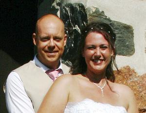 Märi Lindström och Robert Söderberg blev äkta makar den 8 augusti.