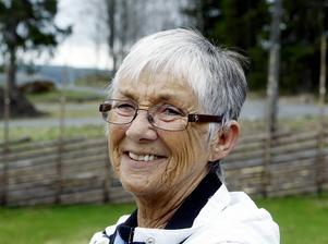 Det var Eva Hemmingsson från Frösön och hennes väninna Inga Pålsson, som gjort utställningen av skolklassen i Marby missionshus.