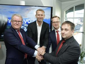 Anders Teljebäck från Västerås, Peter Carlsson, Northvolts vd, Mikael Damberg, närings- och innovationsminister,  och Lorents Burman från Skellefteå, under pressträffen om Northvolts batterifabrik,  i Stockholm.