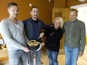 Magnus Lundgren, Gert-Ove Olofsson, Janita Wallenius och Göran Karlsson i KRIS nyöppnade Hudiksvallslokal.