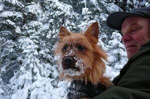 Fia heter hunden som är på vintersemester,  Bo Karlgren Vik. husse.