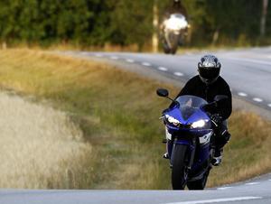 Två motorcyklister på sportmotorcyklar. Arkivbild.