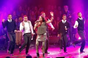 Minnesvärt. Gladys del Pilar och körsångare från Sydafrika bjöd på en fascinerande konsert.