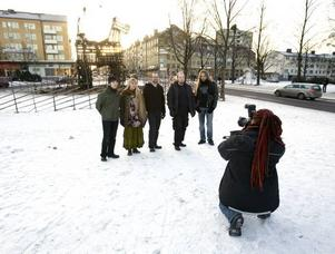 Folkrockgruppen Slingerbult behövde bilden till hemsidan. Linda Helsing fotograferade.Per-Erik Jäderberg.