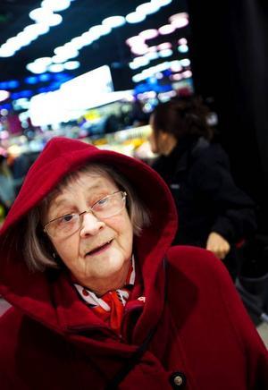 Gullan Sterner, 73 år, Östersund:– Jag kommer att vaccinera mig om jag inte blir sjuk. Min sjukmånad är oktober, men i dag är det den 13 oktober och jag har klarat mig hittills. Men jag är inte rädd för att blir sjuk.– Jag har varit så mycket sjuk i mina dagar får jag en ny prövning ska jag klara det också. Och jag ska vaccinera mig.