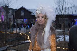 Janina Stoor har tillsammans med sin syster Petra (Shara Stoor) och Fredrik Fernlund jobbat hårt för att femårsjubileet av Midvinterglöd skulle bli den bästa hittills.