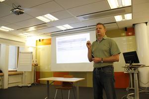Johnny Gustavsson, drogsamordnare på socialtjänsten i Gävle, var en av föreläsarna vid tisdagens möte om narkotikarelaterad dödlighet.
