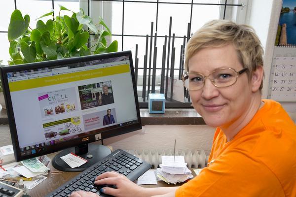 Sedan några veckor tillbaka finns den nya webbportalen, som handlare i Fagersta ligger bakom uppe, på internet. Maria Vedholm på Elkedjan är en av handlarna som jobbat med portalen, och hon hoppas att den ska locka fler att handla i Fagersta.