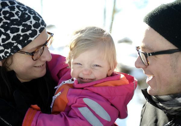 Malin och Magnus Westman med dottern Elly.