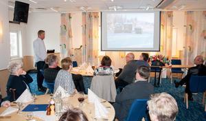Hans Sandgren föreläser om ambulanshelikoptern.