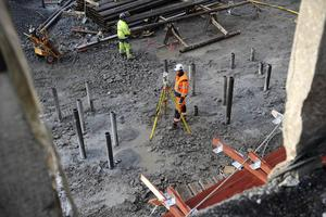 Kommuner måste våga utmana sig själva till att sluta vara bromsklossen i processen för byggande.