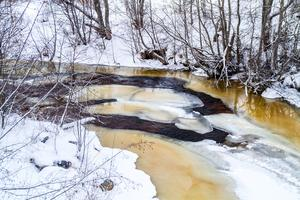 Grundvattennivåerna uppströms dammarna kommer att påverkas vid utrivning i Gnarpsån bedömer mark- och miljödomstolen.