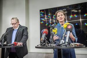 Kommunals kassör Anders Bergström avgår. Frågan är om det räcker med det. På bilden också Kommunals ordförande Annelie Nordström.