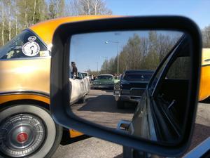 Föreningen Independent Cruisers medlemmar på väg till Eskilstuna, uppsamling vid p-fickan strax före Kvicksund...