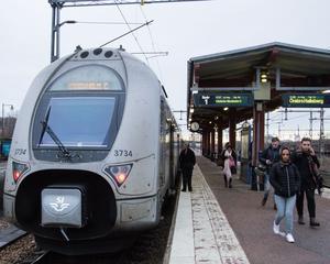 Bilden är en arkivbild från Köping station. Tåg mellan Hallsberg och Frövi påverkades i båda riktningarna under tisdagseftermiddagen.