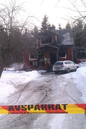 TOTALT UTBRÄND. Polisen misstänker inget brott i samband med villabranden i Fleräng i Skutskär.