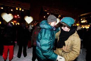 Dansinslaget lättade upp en i övrigt ganska långsam invigning. Stina Häggmark och Alma Svensson fattade genast poängen.