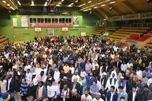 Eid al-fitr samlade många muslimer i Sporthallen på fredagsmorgonen.