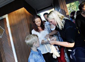 Sexårige Isak Seth kom för att se Top Cats. Här tillsammans med mamma Linda.
