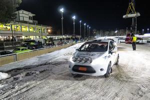 Eddie Lundqvist och kartläsaren Kristian Brandvold från Sandviken MK, var ett av de 20 tvälingsekipagen i Junior-SM. De körde en otrimmad och tvåhjulsdriven Ford.