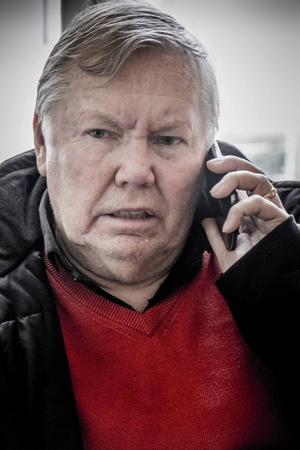 Insändarskribenten anser att för många är avundsjuka på Bert Karlsson. Det är riksdagen som bestämt reglerna, ,menar en.