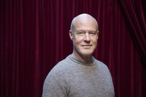 Stefan Sauk har för andra året i rad läst in årets ljudboksdeckare.