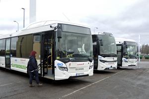 Region Dalarnas kollektivtrafiknämnd vill utreda om regionen ska ta över busstrafiken i egen regi.