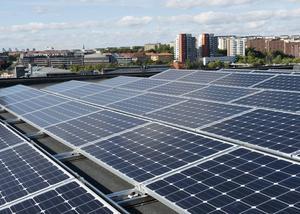 Framtidens energi finns i solen, enligt de miljöpartistiska EP-kandidaterna Linus Pettersson och Maria Ohisalo som vill att Sverige och Finland, för att säkerställa en hållbar utveckling och främja en grön ekonomi, gemensamt pekar på vikten av att  EU antar bindande mål om klimat, förnybar energi och energieffektivisering.