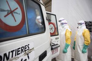 Först när smittan drabbar västvärldens befolkning blir ebolaforskning ett prioriterat område.