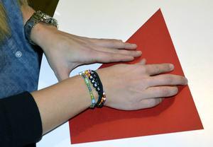 Mycket av julens pynt kan göras av vanligt papper.