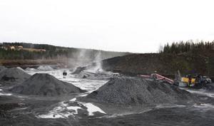 Vid Ås grus anläggning i Åskott produceras mellan 120.000 och 150.000 ton grus och sand per år. Foto: Jan Andersson