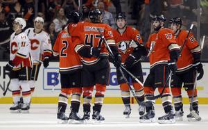 Anaheim vann med 5–2 mot Calgary.