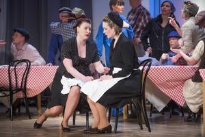 Eva Helde gör en storslaget förtvivlad Santuzza och Anna-Sara Berencreutz Turiddos mor i efle Musikdramatsika teaters uppsättning av operan