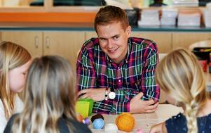 Nu måste utbildningsminister Gustav Fridolin (MP) hålla vad han lovar om hemspråk.
