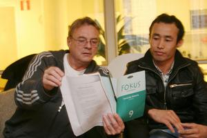 Anwar Akbari var den första av ungdomarna som flytta från Hedegården och att han kommer till deras möten för att umgås och få läxhjälp av bland andra Peter Tryggsäter.