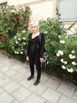 Gillar kontraster. Hanna Eriksson inspireras av 70- och  80-talets punk och rock.