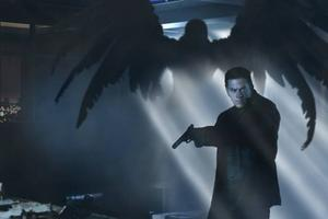 """Snygg värld. Tom bioaction. Mark Wahlberg uthärdar maximal smärta till ingen nytta i """"Max Payne"""". Foto: Fox"""